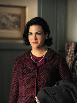 Mad_Men_Season_6_betty_dark_hair